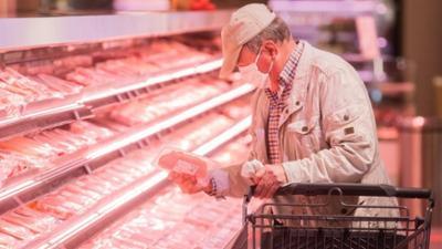 Tagesgespräch: Weniger Billigfleisch bei Aldi und Co.: Ist das der Weg zu mehr Tierwohl?