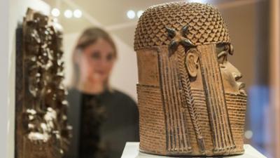 Tagesgespräch: Streit um Benin-Bronzen: Wie sollen wir mit kolonialer Raubkunst umgehen?