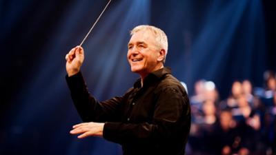 BR-KLASSIK im TV: Howard Arman dirigiert Mozart