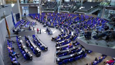 Bundestag live: Regierungserklärung zur Corona-Strategie