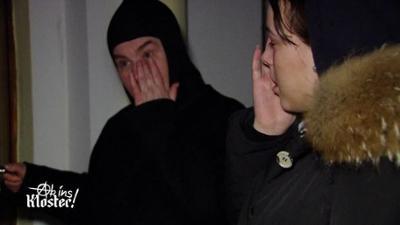 Ab ins Kloster! - Rosenkranz statt Randale: Antonias emotionaler Ausbruch