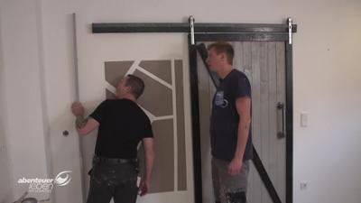 Abenteuer Leben: Tutorial-Tester Cornel baut? - Eine neue Wand fürs Wohnzimmer