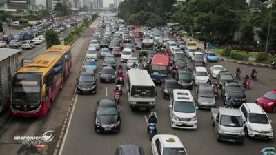 Abenteuer Leben: Verkehrschaos in Jakarta