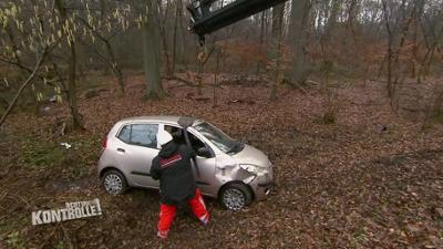 Achtung Kontrolle: Unfall mit Totalschaden - Abschleppdienst Aachener Kreuz