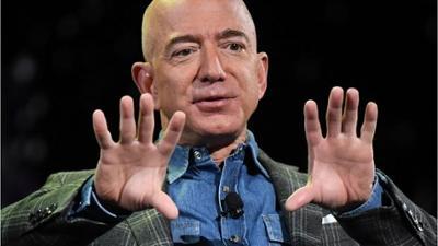 News & Trends: Amazon-Gründer Bezos nach All-Ausflug wieder auf der Erde gelandet