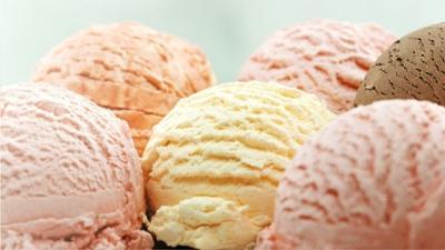 News & Trends: So einfach kann man Eis daheim machen - ohne Eismaschine