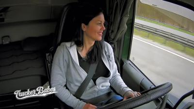 Trucker Babes: Gina und das Elefantenrennen