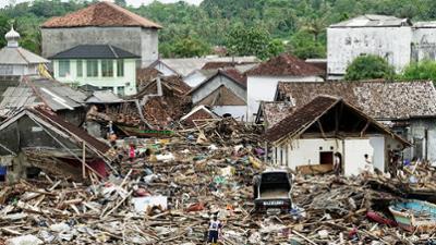 Tödliche Naturgewalten: Staffel: 1, Folge: 1 - Tsunamis