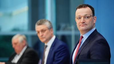 """phoenix vor ort: Bundesgesundheitsminister Spahn: """"Wir sind doch Logistikweltmeister"""""""
