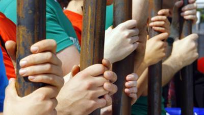 phoenix vor ort: Amnesty: Menschenrechtslage stark verschlechtert