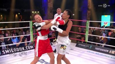 Das große SAT.1 Promiboxen: Gisele Oppermann vs. Doreen Dietel - K.O. beim Kampf der Dsc