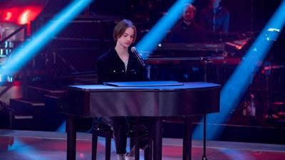 """The Voice Kids: Egon in den Sing-Offs: """"Flügel"""""""
