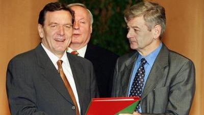 Die 90er: Bimbeskanzler und Arschgeweih